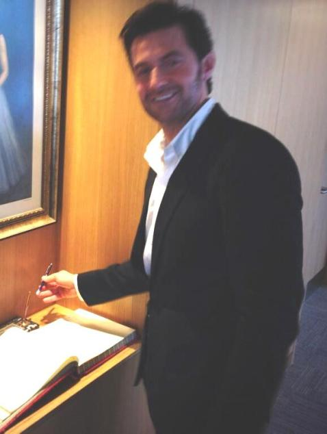 The legendary guestbook now includes the signature of the distinguished British actor Richard Armitage!
