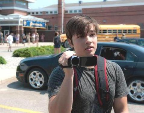 Younger Fuller son Trey (Nathan Kress) is a natural videographer.